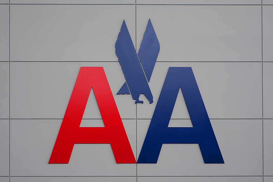 American Airlines presenta una pérdida récord de 8.885 millones dólares en  2020